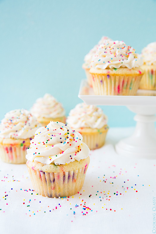 funfetti cupcakes for a first birthday party