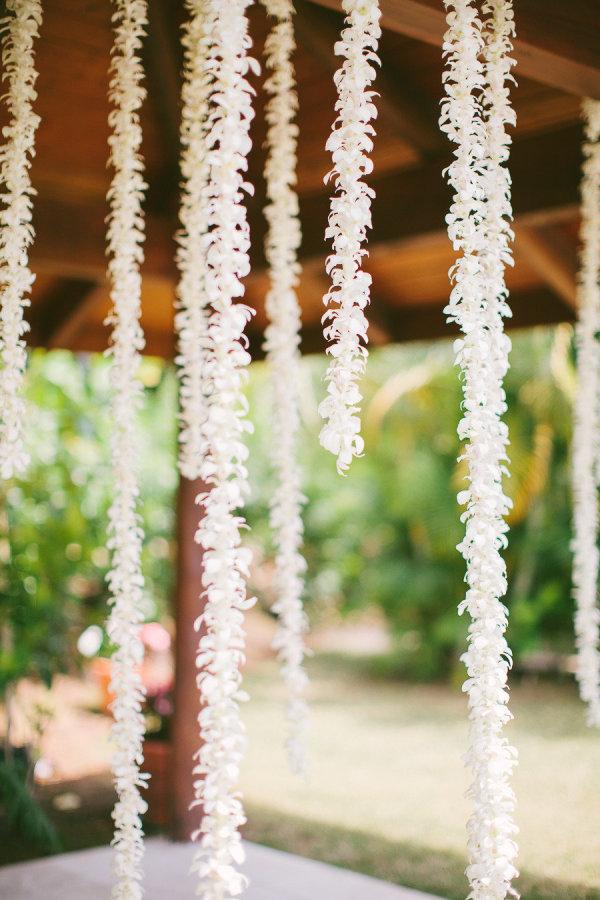 palm springs wedding // hanging flowers tropical decor