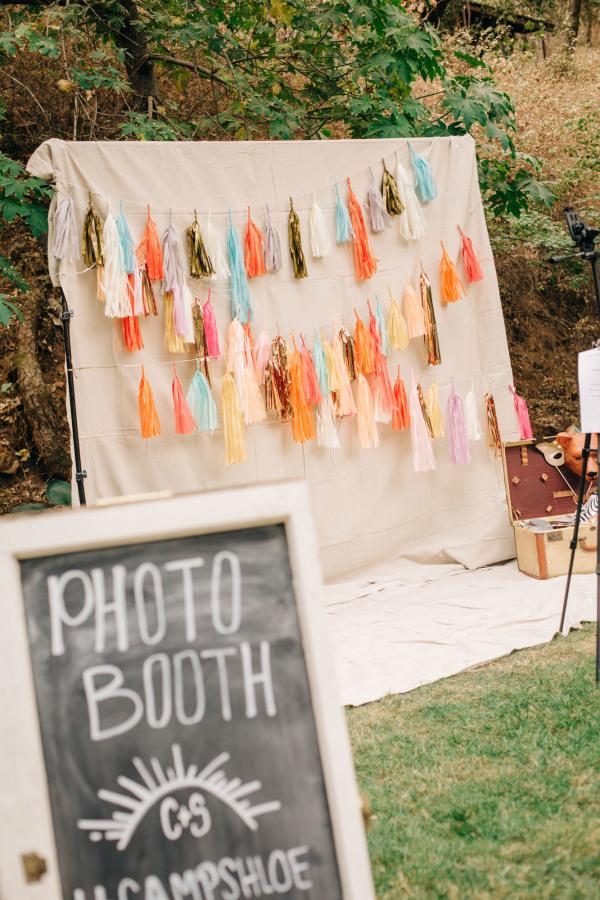 palm springs wedding // tassel photo booth backdrop
