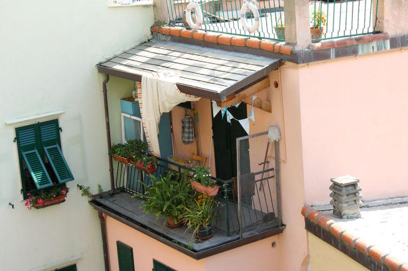 cinque terre balcony