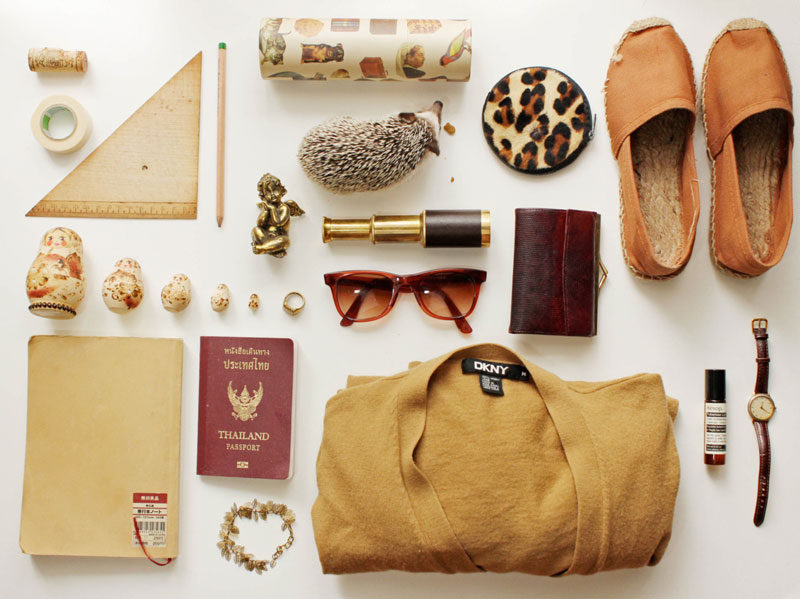 things organized neatly // earthy tones travel pack